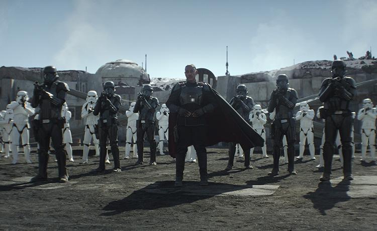 Moff Gideon (Giancarlo Esposito) und seine Sturmtruppen auf Nevarro