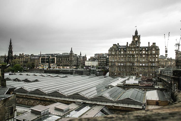 """""""Infinity War""""-Drehort Waverley Train Station, Edinburgh, Schottland"""