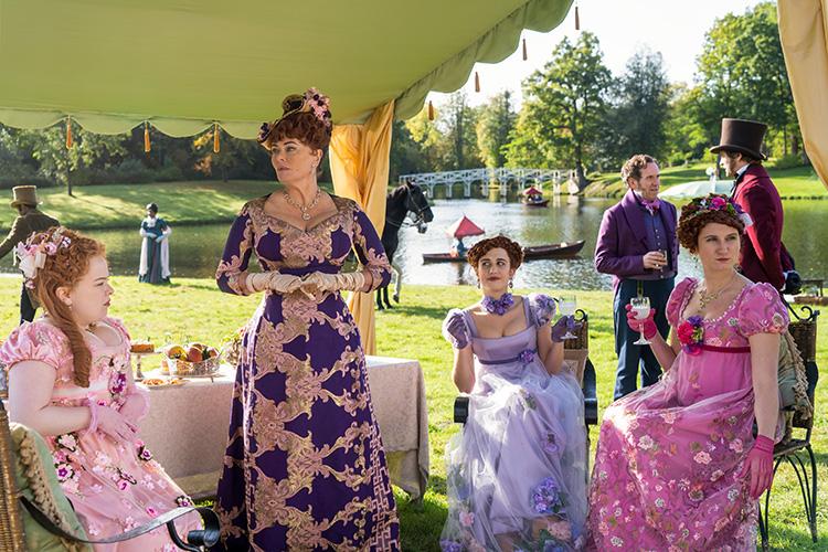 "Szene aus ""Bridgerton"" im Painshill Park, Surrey, England"