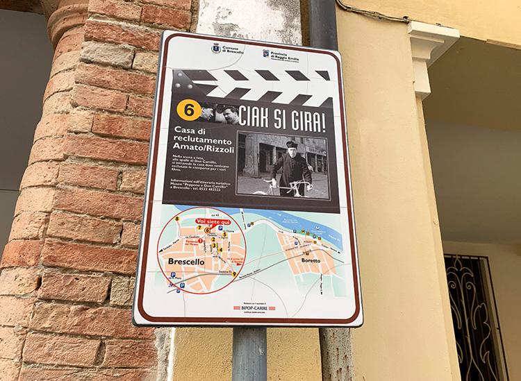 """Info-Tafeln zu """"Don Camillo und Peppone"""", Brescello, Italien"""